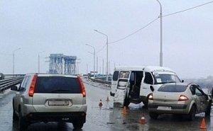 В Астрахани попала в ужасную аварию маршрутка с пассажирами