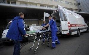 В БСМП объяснили фото лежавшего лицом в землю рядом с медиками «тяжёлого» пациента