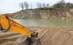 Чей песок в Волгоградской области?