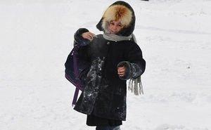В Астрахани водители маршруток продолжают высаживать детей в мороз