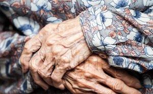 Зачем в Астрахани усыновляют пенсионеров?