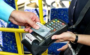 Астраханцы смогут ездить в маршрутках по банковским картам