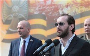 В Ростове Константин Хабенский открыл памятник прототипу главного героя фильма «Собибор»