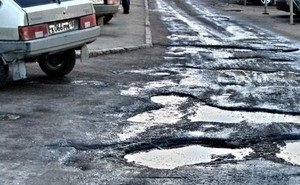 Больше половины волгоградских дорог не соответствуют нормативам