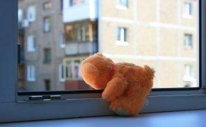 Падение малыша из окна детского сада в Астрахани получило огласку