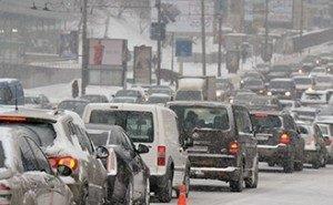 Первый снег загнал Ростов в 10-балльные пробки