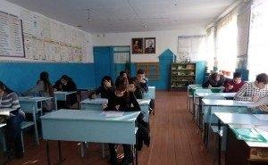 Волгоградский школьник принёс в школу топор, ножи, крысиный яд и канистру с бензином