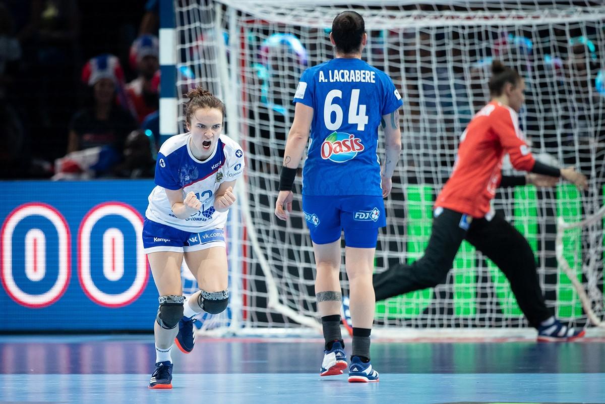 Российские гандболистки завоевали серебро Чемпионата Европы