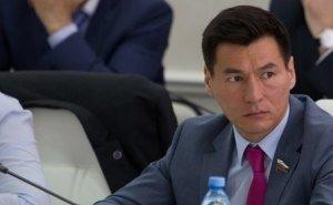 За месяц работы в должности врио главы Калмыкии Хасиков стал ещё более непонятным