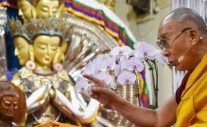 Далай-лама подарил Калмыкии статую Будды