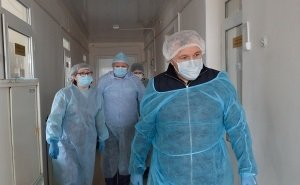 Глава Адыгеи побывал в лаборатории, где проверяют анализы на коронавирус
