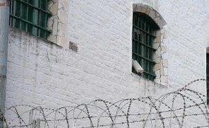 Поменялись местами: заключённый оставил вместо себя в СИЗО «адвоката»