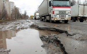 Чем больше денег выделяется Астрахани на дороги, тем меньше дорог становится
