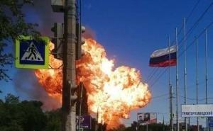 «Бомбануло так, что аж стёкла в доме тряслись!»: в Сети активно обсуждают взрыв на АЗС в Волгограде