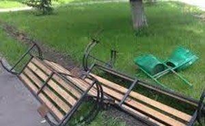 Астраханские вандалы продолжают разрушать то, во что вложены миллионы бюджетных денег