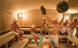 В Волгоградской области открывают кинотеатры, бани и сауны