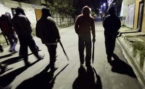 Жителей Ахтубинского района терроризировала банда подростков