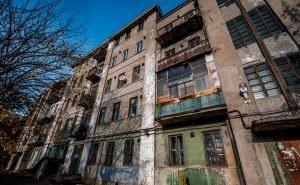 В Астрахани началась проверка выполнения программы по переселению из аварийного жилфонда