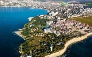 Жители Геленджика жалуются на незаконную стройку в акватории Чёрного моря