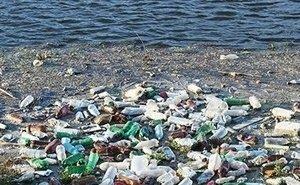 Со дна обмелевшего Северного водохранилища вывезли 7 грузовиков мусора