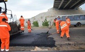 Ремонтом дорог в Астрахани власти недовольны