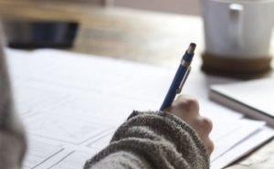 Учительница, смывшая со школьницы макияж, уволилась