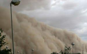 Астраханцы возмущены запоздалым предупреждением о пыльной буре