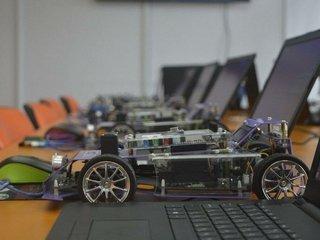 Обучение детей робототехнике и программированию в школе ROBOCODE