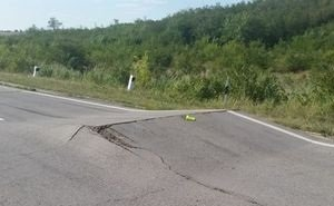 Волгоградцам объяснили, почему отремонтированные дороги приходится переделывать