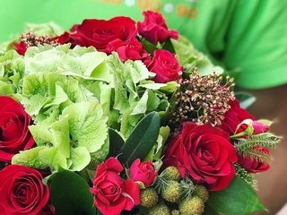 Send gifts and flowers to Ukraine online
