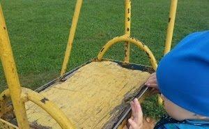 90% детских площадок Элисты — небезопасны