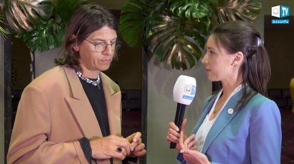 В интервью для АЛЛАТРА ТВ эксперт моды Владислав Лисовец: «Созидательное общество — общество свободных людей»